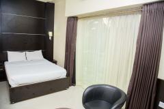 room 8(5)