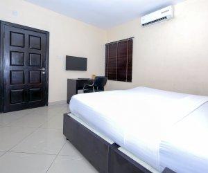 Classic-Suite-Room.jpg