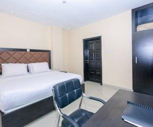 Classic-Suite-Room3.jpg