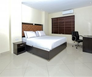 Oyster Executive Bedroom.jpg